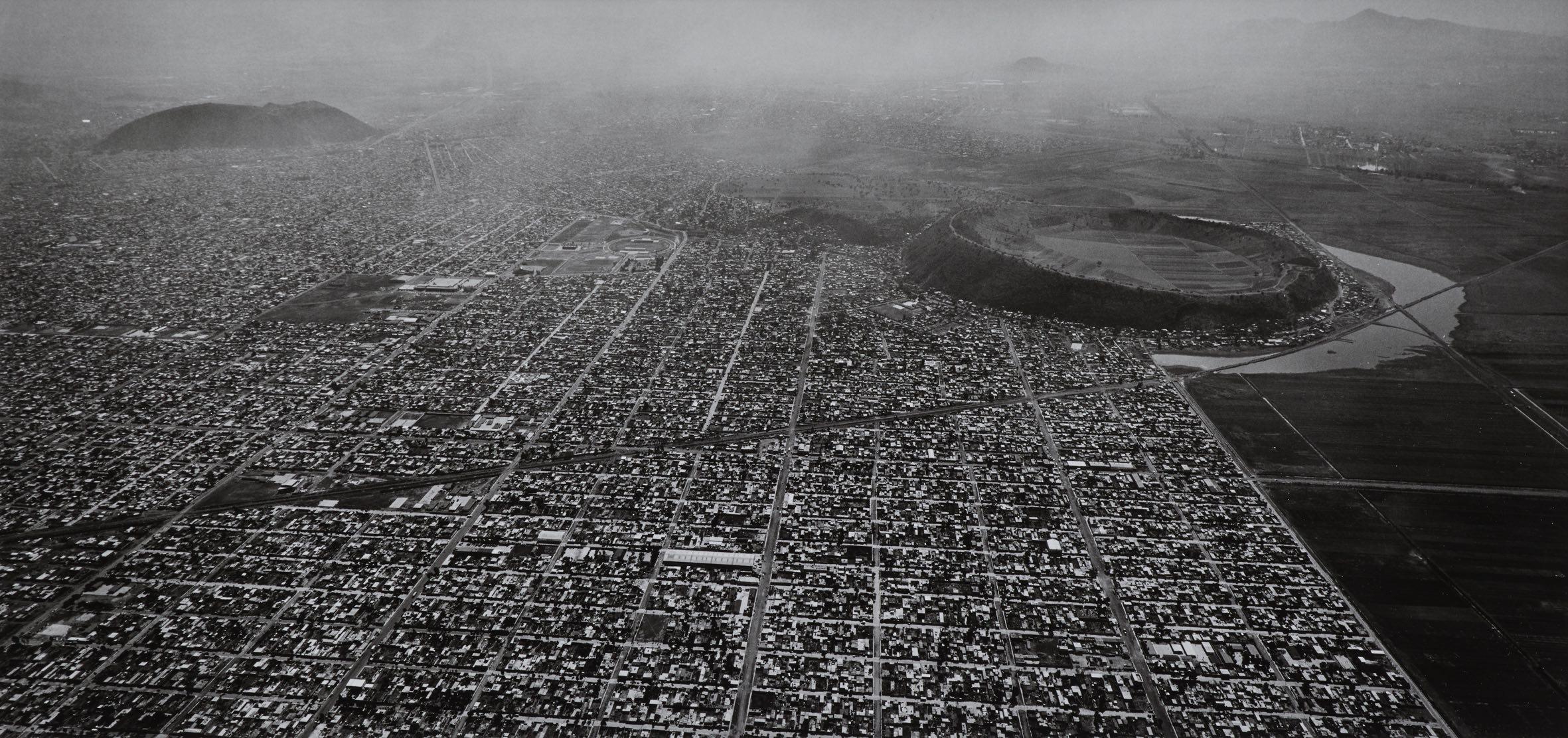 """Mexico City (Vulkan), 1999 © Estate Balthasar Burkhard, 2017 / Weiterer Text über ots und www.presseportal.de/nr/104480 / Die Verwendung dieses Bildes ist für redaktionelle Zwecke honorarfrei. Veröffentlichung bitte unter Quellenangabe: """"obs/Museum Folkwang/© Estate Balthasar Burkhard"""", LAC Lugano, Lugano, MASI, MASIL, MASI Lugano,"""