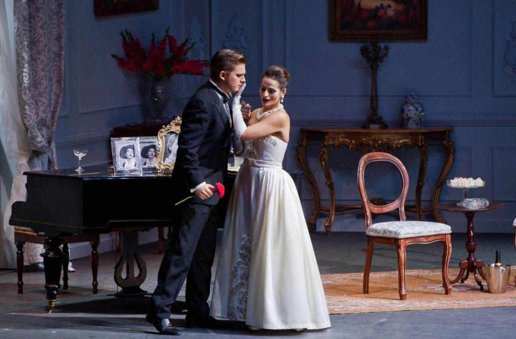 La Traviata, Traviata Piacenza, Teatro Municipale di Piacenza, Teatro Municipale Piacenza, Leo Nucci, Opera Laboratorio
