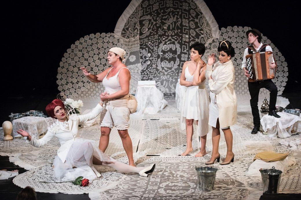 Atir; Teatro Ringhiera Milano; Le Allegre Comari di Windsor; Falstaff; Serena Sinigaglia