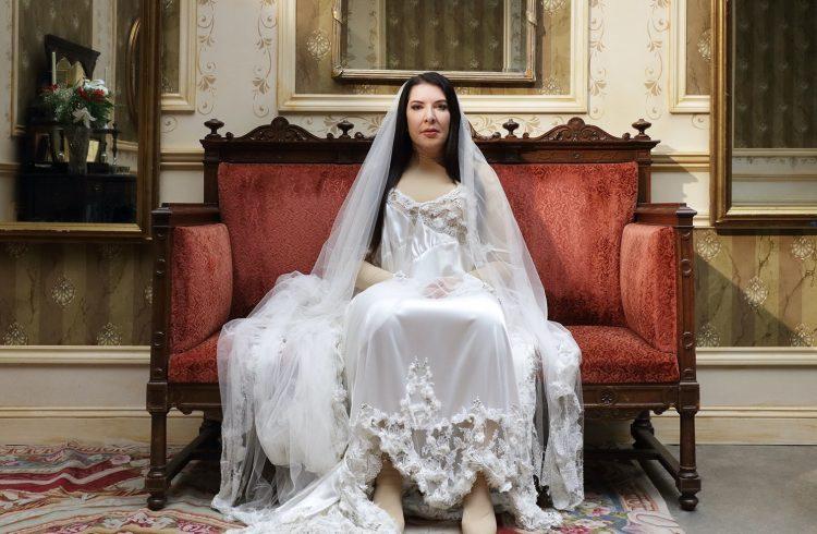 7 Deaths of Maria Callas di Marina Abramović | Bayerische Staatsoper di Monaco di Baviera