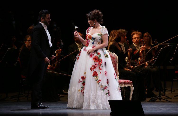 La Traviata di Verdi riporta l'opera alla Scala