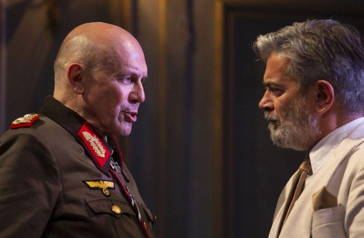 Diplomazia_Teatro-Elfo-Puccini_copyright_Laila-Pozzo